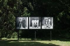 """""""Das Studio Malick"""" von Malick Sidibé im Gutenbrunner Park beim Photo Festival La Gacilly Baden"""