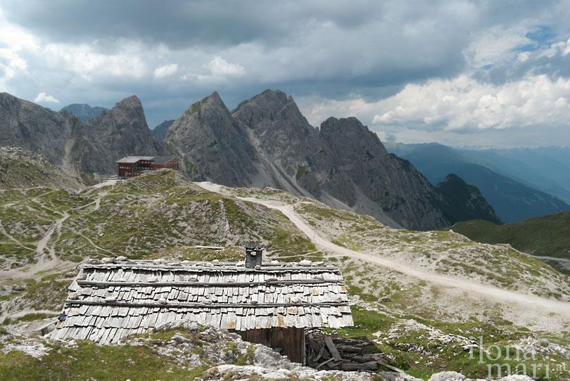 Malerische Berghütte in den Lienzer Dolomiten.