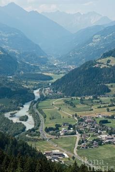 Ausblick vom Schlossberg ins Iseltal bei Lienz