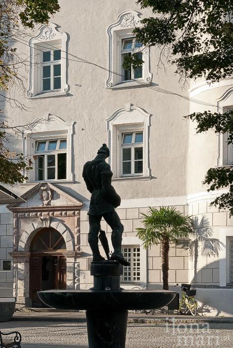 Brunnen vor der Liebburg in Lienz