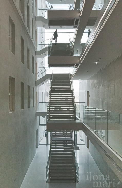 Treppenhaus Atrium der Post am Rochus