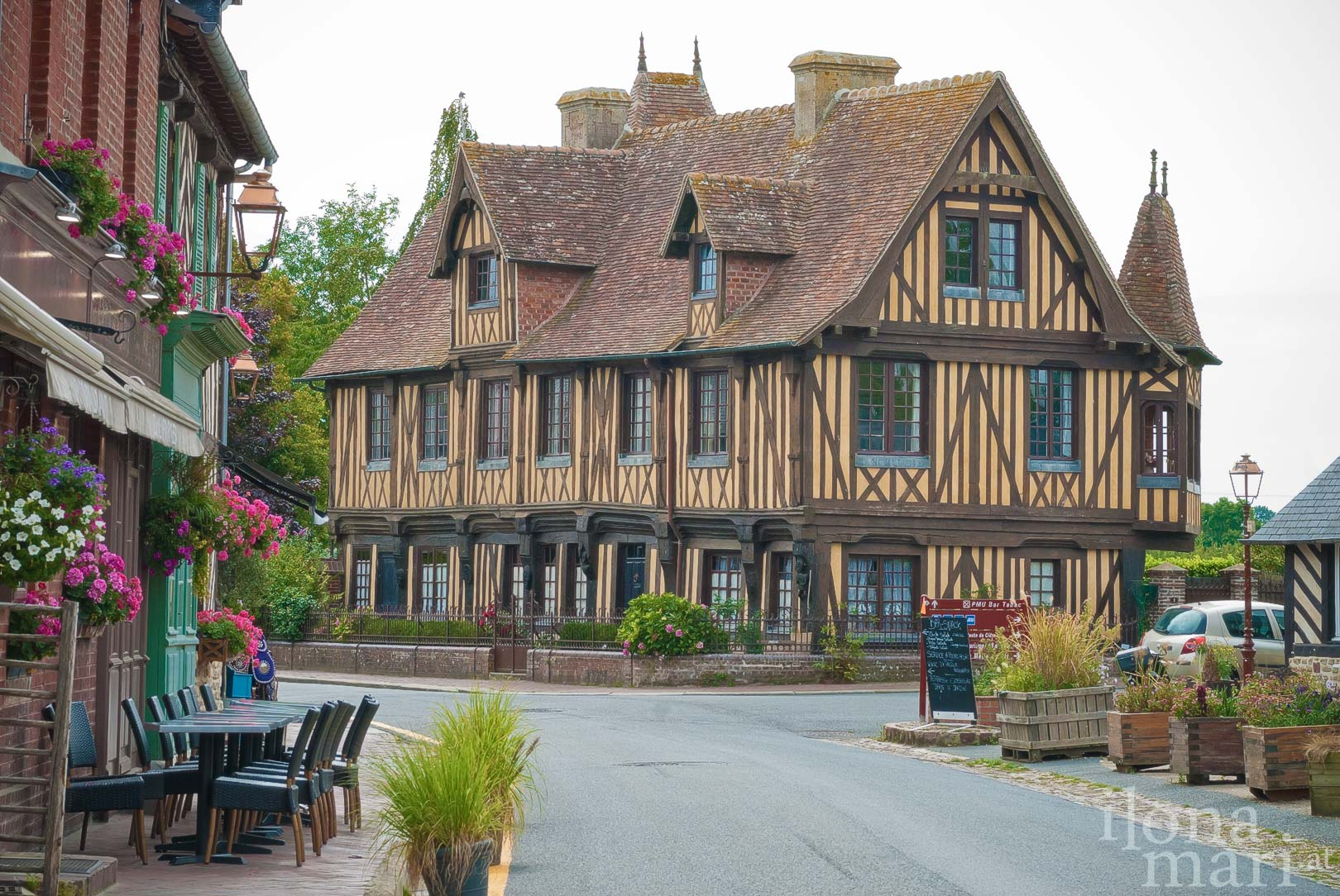 Manoir - Herrenhaus von Beuvron-en-Auge in der Normandie