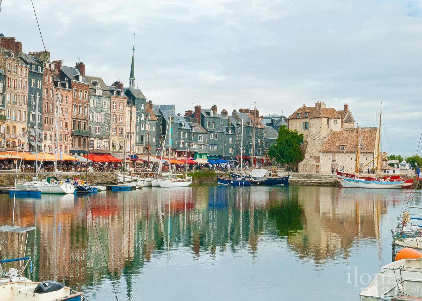 Das alte Hafenbecken von Honfleur (Normandie)